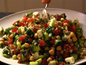 BXSP01H_middle-eastern-vegetable-salad_s4x3.jpg.rend.sni12col.landscape